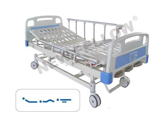 Manual Rotating Bariatric Medical Hospital Bed with wheels / Center Control Brake